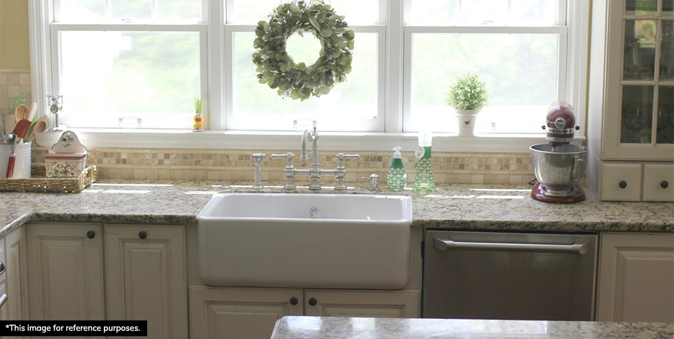 Farmhouse sink in the kitchen